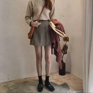 Dresses & Skirts - NWT ✨ Camel Plaid A-Line Skirt
